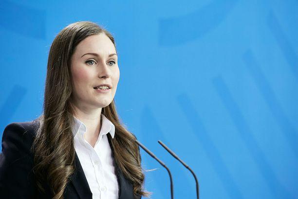 Pääministeri Sanna Marin toivotti suomalaisille hyvää vappua.