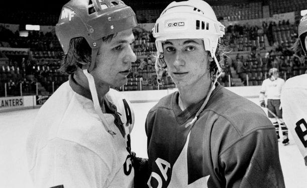 Wayne Gretzky dominoi vanhempiaan vastaan Montrealin MM-kisoissa 1977-78.