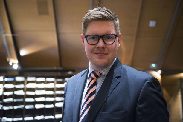 Antti Lindtmanin mukaan tapahtumat Turun torilla eivät olleet jakautumista maahanmuuttajiin ja kantasuomalaisiin.