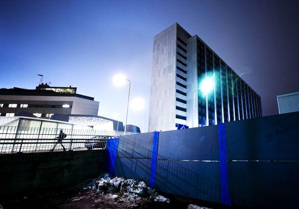 Kilpailu- ja kuluttajaviraston mukaan HUS on jättänyt monia isoja hankintoja kilpailuttamatta. Kuvassa HUS:n Meilahden sairaala Helsingissä.