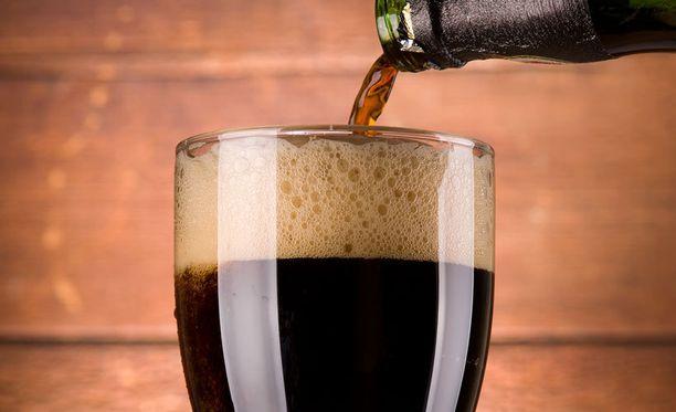 Tummien oluiden myynti kasvaa usein syksyisin.