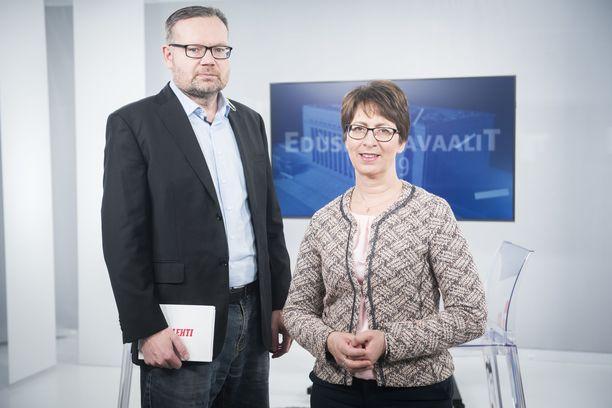 Kristillisdemokraattien puheenjohtaja Sari Essayah osallistui Iltalehden Riisuttuun puoluetenttiin tiistaina. Häntä haastatteli Iltalehden politiikan ja talouden toimittaja Mika Koskinen.