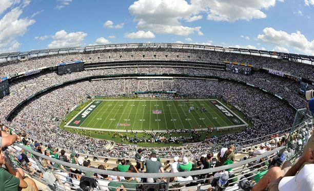 New York Giantsin ja Jetsin kotistadion maksoi kaksi kertaa enemmän kuin uusi tieto Plutosta.