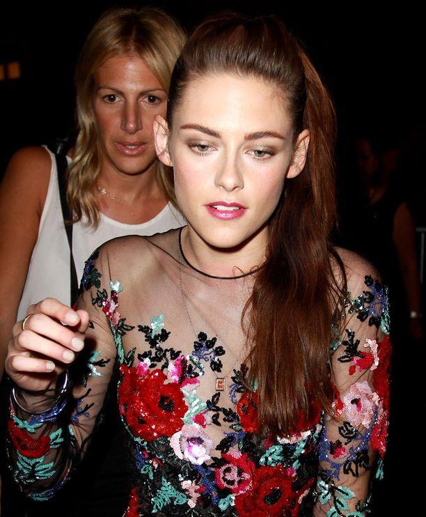 Eronnut Kristen Stewart jatkaa elämäänsä omassa asunnossaan.