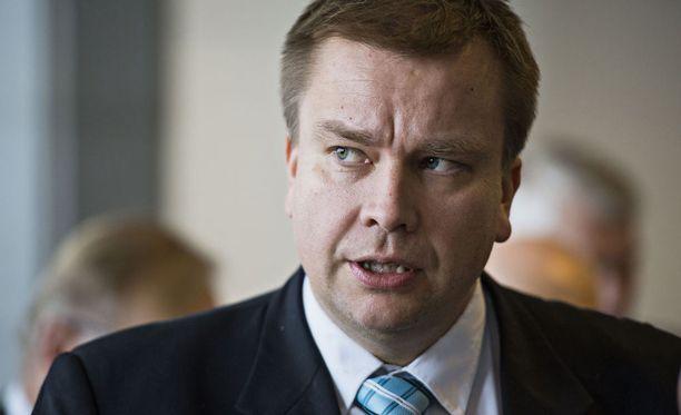 Antti Kaikkonen edellyttää, että ministeriö puuttuu ongelmiin.