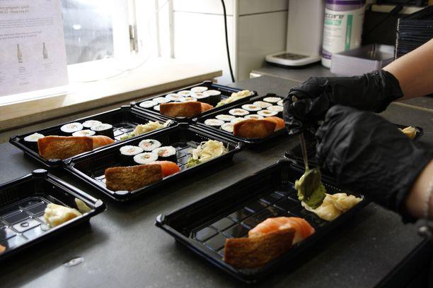 Ravintoloiden tukipaketin tukiin liittyvä laskentakaava on aiheuttanut ihmetystä ravintola-alalla. Kuvituskuva.