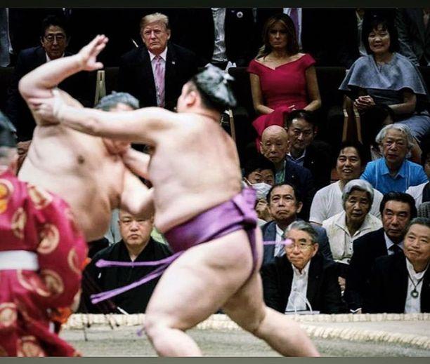 Donald ja Melania Trump seurasivat sunnuntaina sumopainia Japanissa
