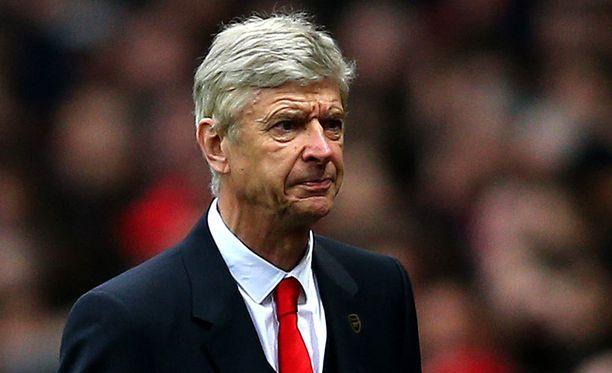Arsene Wenger haluaa Maxi Romeron Arsenaliin.