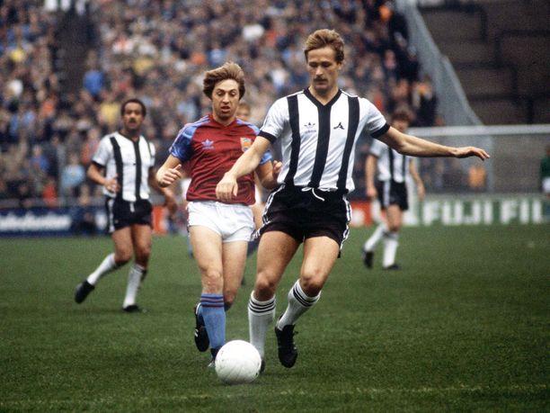 Aki Lahtinen oli monikäyttöinen pelaaja Notts Countyssa.