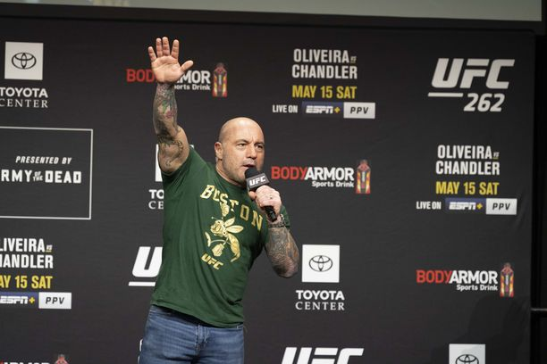 Joe Rogan toimii myös kommentaattorina vapaaottelun UFC-kisoissa. Kuva otettu toukokuussa Houstonissa Texasissa.