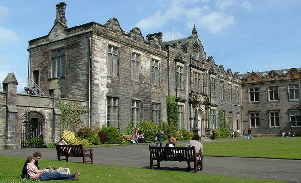 St. Andrews on Skotlannin vanhin ja englanninkielisen maailman kolmanneksi vanhin yliopisto. Se on perustettu vuonna 1410.