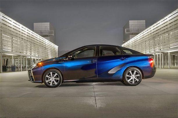 Auton tekniikkaan kuuluu ilmavirtaus takapuskurin läpi ja alitse.