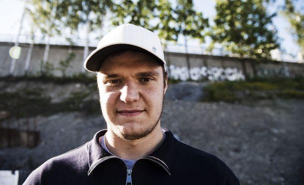 Aleksander Barkov viihtyy kesän Tampereella.
