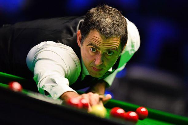 Ronnie O'Sullivan on yhden maailmanmestaruuden päässä kaikkien aikojen ykkösestä, Stephen Hendrystä.