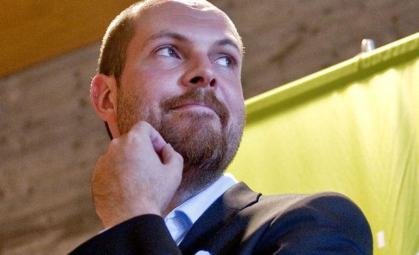 Tuomo Puumala valittiin keskustaryhmän varapuheenjohtajaksi.