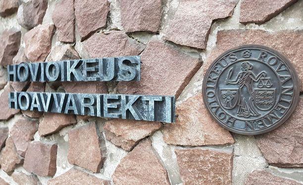 Rovaniemen hovioikeus ei muuttanut ryöstöstä tuomitun miehen vankeusrangaistusta.