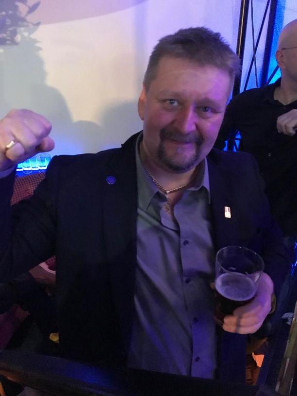 Janakkalan perussuomalaisten valtuustoryhmän puheenjohtajalla Marko Ojasella on kova luotto puolueeseen.