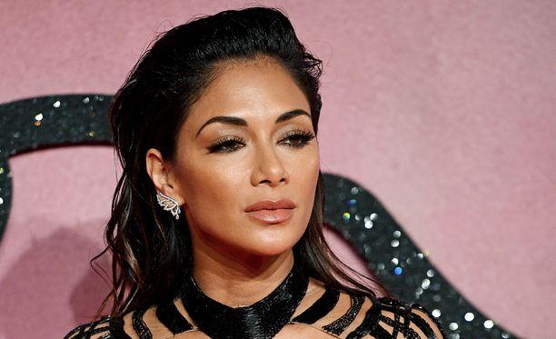 Nicole Scherzingerin uran X Factor -tuomarina kerrotaan olevan ohi.