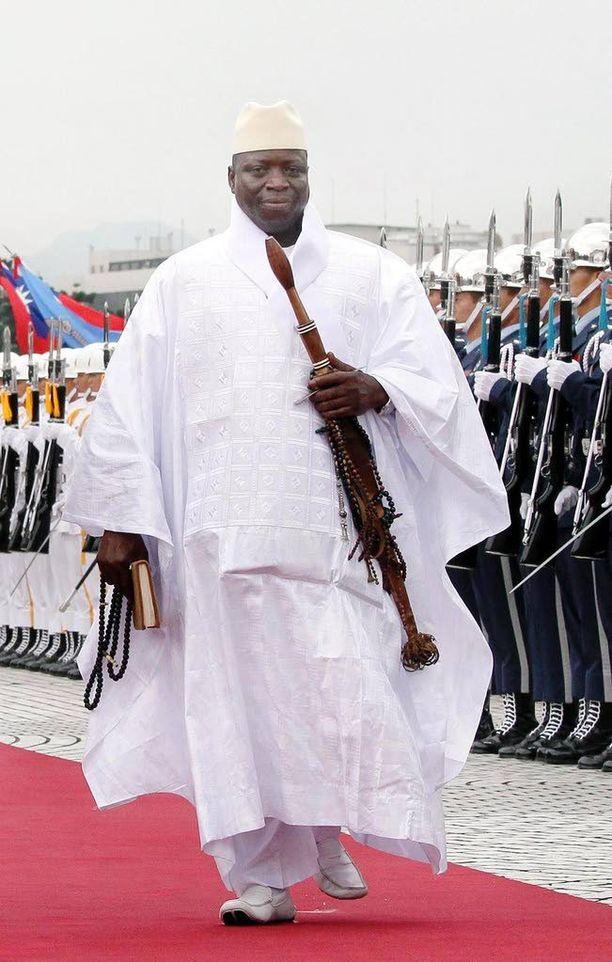 Presidentti Yahua Jammeh lupasi, että joulun juhliminen jatkuu Gambiassa normaalisti.