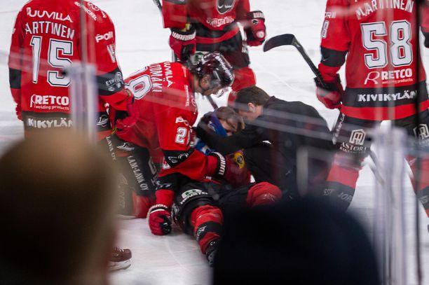 Otto Kivenmäki loukkaantui lauantaina.