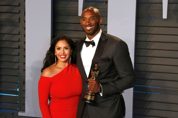 Vanessa Bryant and Kobe Bryant attending the 2018 Vanity Fair Oscar Party hosted by Radhika Jones at Wallis Annenberg Center for the Performing Arts on March 4, 2018 in Beverly Hills, California.