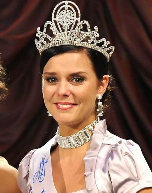 Satu Tuomisto kruunattiin maaliskuussa Miss Suomeksi.