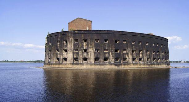 Aleksanterin linnoituksessa Pietarin edustalla tutkittiin tarttuvia tauteja.