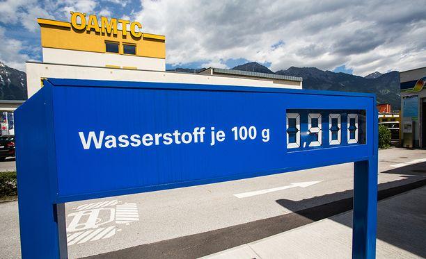 Itävallassa vety maksoi 9,0€/kg.