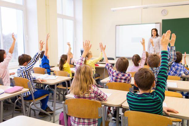 Politiikkaa ei voi täysin poistaa luokkahuoneista.