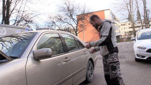 Petteri Suomalainen pääsee lähes jokaiseen autoon sisälle, ja tekee avaimet, vaikka hän ei saisi mitään tietoja auton omistajalta tai auton valmistajalta.