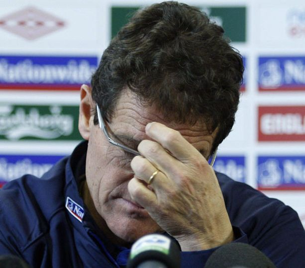 Pelaajien törttöilyt kentän ulkopuolella ovat aiheuttaneet päänvaivaa Fabio Capellolle.