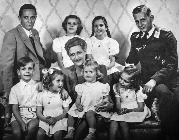Magda Goebbels teki itsemurhan myrkytettyään ensin kuusi lastaan Hitlerin bunkkerissa Berliinissä.