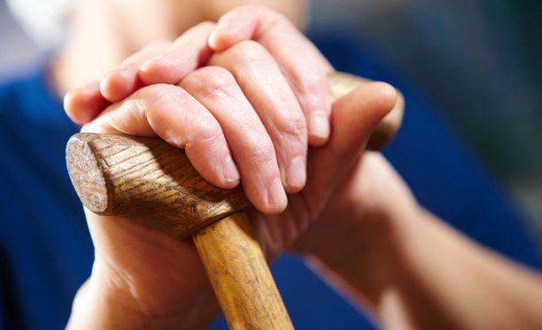 Eutanasia on jatkossa mahdollinen kuolemansairaille kivusta kärsiville aikuisille.