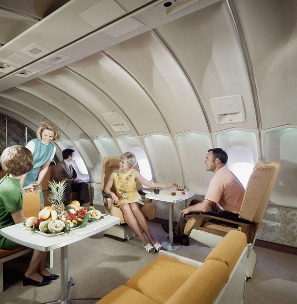 Boeing 747 -koneen ykkösluokassa oli tilaa.