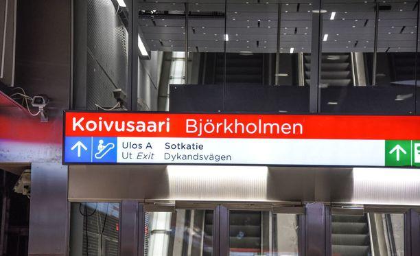 Koivusaaren metroasemalla on käynnissä paloharjoitus noin kello 15:een saakka.