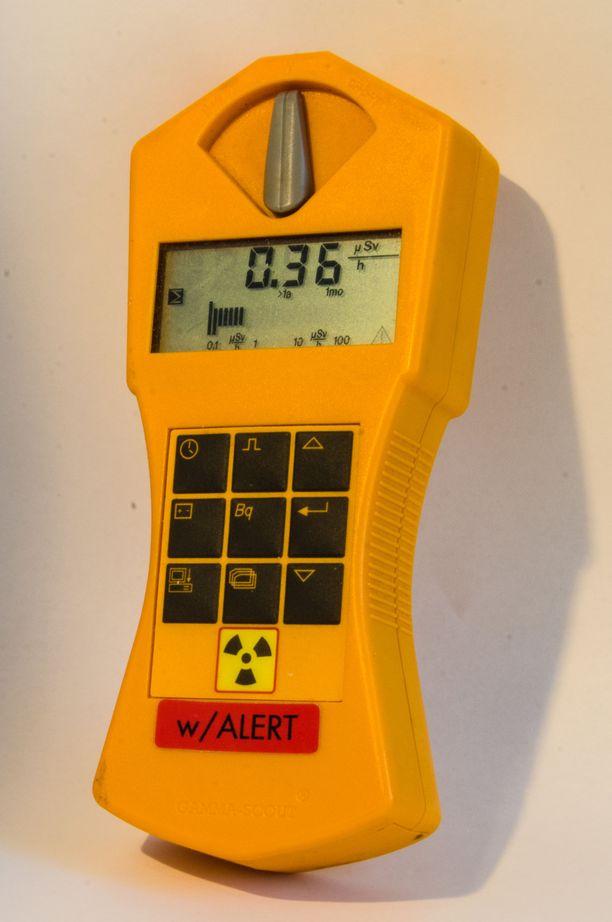 Pelastuslaitos ei löytänyt hälytyspaikalta mitään poikkeuksellista. Kuvituskuva säteilymittarista.