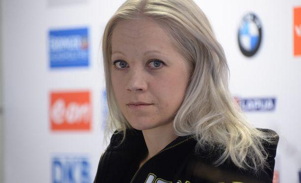 Kaisa Mäkäräinen suree lauantain vastaisena yönä menehtynyttä maajoukkueen ammuntavalmentajaa Asko Nuutista.