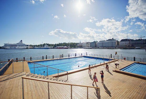 Allas Sea Pool on näiltä näkymin avoinna myös tavallisille uimareille huipputapaamisen ajan.