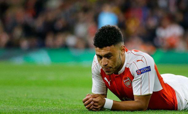 Taas tuli turpaan, miettii Alex Oxlade-Chamberlain. Arsenal on hävinnyt tällä kaudella Mestarien liigassa Dinamo Zagrebille sekä Olympiakosille.