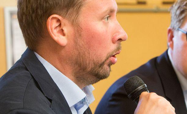 Vasemmistoliiton puheenjohtajan Paavo Arhinmäen mukaan on tärkeää, että Euroopassa on Suomen, Ruotsin, Itävallan ja Irlannin kaltaisia liittoutumattomia maita. Arkistokuva.