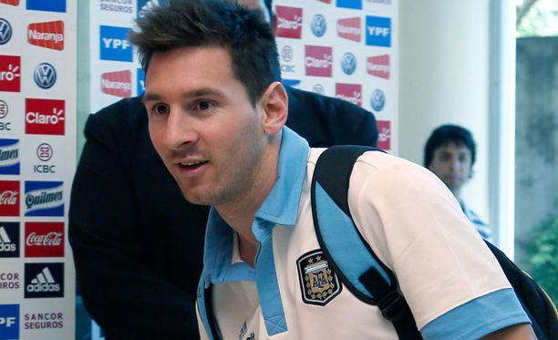 Lionel Messi on tällä hetkellä Argentiinan maajoukkueen matkassa.