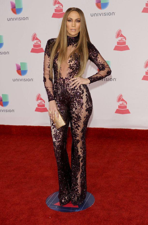 Jennifer Lopezin kroppa on kadehdittavan upeassa ja vahvassa kunnossa.