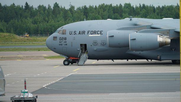 Kone kuuluu Yhdysvaltain ilmavoimille.