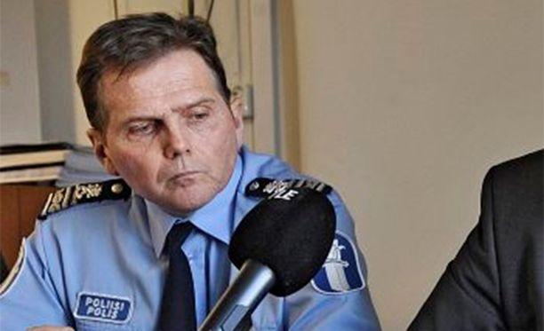 Helsingin poliisilaitoksen nykyinen poliisipäällikkö Lasse Aapio toimi aiemmin apulaispoliisipäällikkönä.