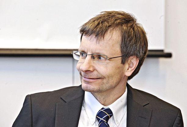 Heikki Hiilamo teki vastikään Kalevi Sorsa -säätiölle raportin eriarvoisuuden torjumiseen liittyen.