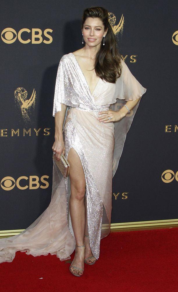 Jessica Bielin asu huokui glamouria.