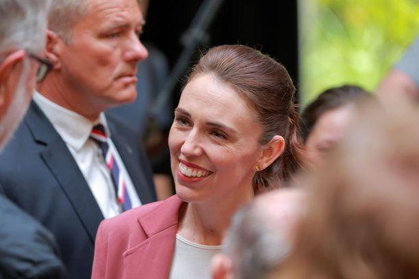 Jacinda Ardern sai kansalta vahvan mandaatin jatkaa pääministerinä.