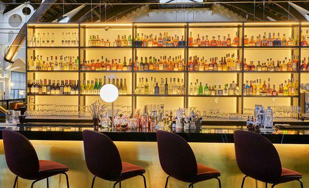 """Baarissa on tarjolla """"vähäkalorisia"""" cocktaileja."""