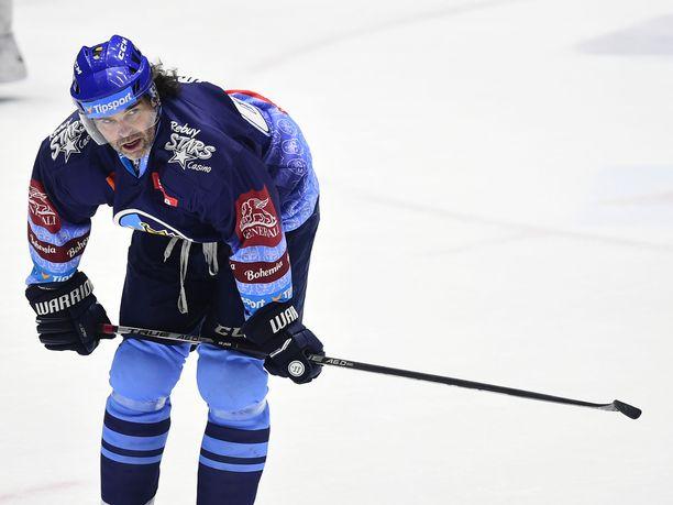 Jaromir Jagr joutui puhaltelemaan pelin aikana. Kuva viime vuodelta.