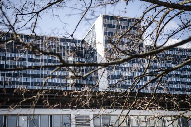 Myös Husin työntekijöillä on todettu uusia koronatartuntoja. Kuvassa Meilahden sairaala.
